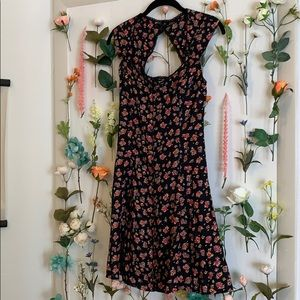 Angie Flowy, Floral, Button front Dress